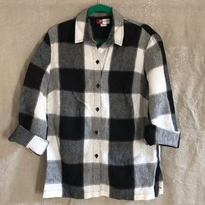Black linen buffalo check button down blouse 14